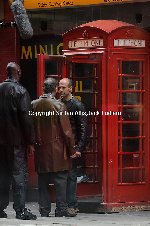 Jason Statham Redemption Film set, boom mike in shot http://www.youtube.com/watch?v=82XwtyTU_1k