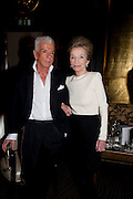 NICKY HASLAM; PRINCESS LEE RADZIWILL ,  , Nicky Haslam with pianist Paul Guinery performing songs by Cole Porter, Irving Berlin, Rogers and Hammerstein  and others at th BEAUFORT BAR? SAVOY- 8.P.M.