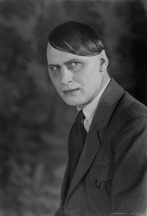 Fritz Rasp, actor, 1929