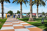 People At The Farmers Market At The Orange County Great Park