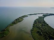 Nederland, Noord-Holland, Enkhuizen, 26-08-2019; strekdammen in de vorm van open eiland bij vaargeul naar Naviduct Krabbersgat. Zicht op het Markermeer, rechts kust Noord-Holland.<br /> Dams in the form of an open island at the fairway to Naviduct Krabbersgat. View of the Markermeer, on the right coast of Noord-Holland.<br /> <br /> luchtfoto (toeslag op standard tarieven);<br /> aerial photo (additional fee required);<br /> copyright foto/photo Siebe Swart