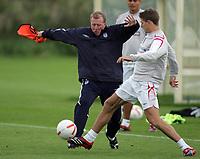 Photo: Paul Thomas.<br /> England training at Carrington. 30/08/2006. <br /> <br /> <br /> Steve McClaren (L) and Steven Gerrard.