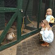 Open dag vogelasiel Naarden, Linda en Diana Janssen