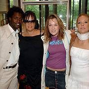 NLD/Amsterdam/20060614 - Haringparty 006 Hilton hotel Amsterdam, ?, Xandra Brood - Janssen, dochter Lola en Wytske Genemans