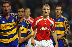 18-10-2001 VOETBAL: UEFA CUP FC UTRECHT - PARMA: UTRECHT<br /> Utrecht verliest met 3-1 van Parma / Dirk Kuyt<br /> ©2001-WWW.FOTOHOOGENDOORN.NL