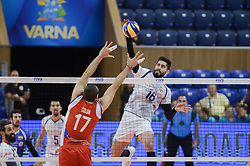 September 12, 2018 - Varna, Bulgaria - Sharifi Morteza, R, Iran vs Colon Jessie, L, Puerto Rico, during Iran vs Puerto Rico, pool D, during 2018 FIVB Volleyball Men's World Championship Italy-Bulgaria 2018, Varna, Bulgaria on September 12, 2018  (Credit Image: © Hristo Rusev/NurPhoto/ZUMA Press)