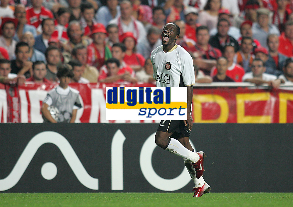 Photo: Lee Earle.<br /> Benfica v Manchester United. UEFA Champions League, Group F. 26/09/2006. United's Luis Saha celebrates his opening goal.