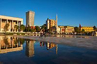 Albanie, Tirana, place Skanderbeg // Albania, Tirana, Skanderbeg square