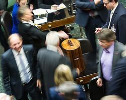 21.01.2015, Parlament, Wien, AUT, Parlament, 59. Nationalratssitzung, Sitzung des Nationalrates unter anderem mit den Thema: Fortpflanzungsmedizinrechts-Änderungsgesetz 2015. im Bild Feature Stimmabgabe // feature ballot during the 59th meeting of the National Council of austria at austrian parliament in Vienna, Austria on 2015/01/21, EXPA Pictures © 2015, PhotoCredit: EXPA/ Michael Gruber