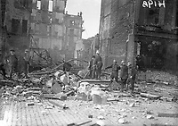 Members of Dublin Fire Brigade working in an unidentified building after the Rising. (Part of the Independent Newspapers Ireland/NLI Collection)