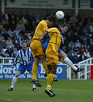 Fotball<br /> Foto: SBI/Digitalsport<br /> NORWAY ONLY<br /> <br /> Hartlepool United v Tranmere Rovers, Coca-Cola League 1 Play-offs First Leg, Victoria Park, Hartlepool 13/05/2005.<br /> <br /> Tranmere's Ian Sharps (L) beats Hartlepool's Eifion Williams (R) to the ball.