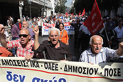 April 25, 2018 - Athens, Greece - Pensioners protest in central Athens. Thousands of people have taken to the streets of Athens to protest against a number of bailout-related reforms, including the sale of some power plants, potential pension cuts and staffing funding cuts for state-run hospitals. (Credit Image: © Aristidis Vafeiadakis via ZUMA Wire)