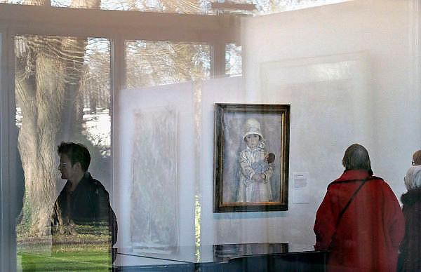 Nederland, Laren, 15-1-2012Vanwege de grote belangstelling is de tentoonstelling over schilder Jan Sluijters verlengd.Amateurschilders kunnen een portret inleveren, waaruit het publiek een winnaar, publiekswinnaar, kan kiezen.Foto: Flip Franssen/Hollandse Hoogte