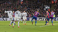 Football - 2017 / 2018 Premier League - Crystal Palace vs. Manchester United<br /> <br /> Romelu Lukaku (Manchester United) drives home the equaliser for Manchester United at Selhurst Park.<br /> <br /> COLORSPORT/DANIEL BEARHAM