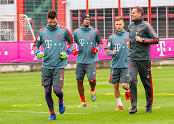 14.03.2019, Säbener Strasse, Muenchen, GER, 1. FBL, FC Bayern Muenchen vs 1. FSV Mainz 05, Training, im Bild v.l. Sven Ulreich (FC Bayern), Jerome Boateng (FC Bayern), Joshua Kimmich (FC Bayern), Prof. Dr. Holger Broich (FC Bayern) // during a trainings session before the German Bundesliga 26th round match between FC Bayern Muenchen and 1. FSV Mainz 05 at the Säbener Strasse in Muenchen, Germany on 2019/03/14. EXPA Pictures © 2019, PhotoCredit: EXPA/ Lukas Huter