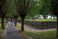 België. Langemark (bij Ieper). Duitse Militaire Begraafplaats. Foto: Gerrit de Heus. Belgium. Langemark. German War Cemetery. Photo: Gerrit de Heus