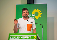DEU, Deutschland, Germany, Berlin, 21.04.2018: Der Berliner Landesvorsitzende von Bündnis 90/Die Grünen, Werner Graf, bei der Landesdelegiertenkonferenz von Bündnis 90/Die Grünen in Berlin-Adlershof.