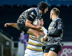 Dan Evans of Ospreys claims the high ball<br /> <br /> Photographer Simon King/Replay Images<br /> <br /> European Rugby Challenge Cup Round 5 - Ospreys v Worcester Warriors - Saturday 12th January 2019 - Liberty Stadium - Swansea<br /> <br /> World Copyright © Replay Images . All rights reserved. info@replayimages.co.uk - http://replayimages.co.uk