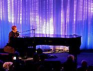 2010 11 18 AMNH Gala - Elton John