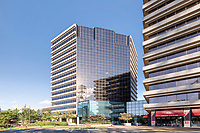 Architetural image of  Pinnacle Towers in Tysons Corner VA by Jeffrey Sauers of Commercial Photographics, Architectural Photo Artistry in Washington DC, Virginia to Florida and PA to New England