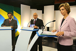 A candidata ao governo do Estado do RS Yeda Crusius (D) durante debate da TV COM  com o candidato Olivio Dutra. FOTO: Jefferson Bernardes/Preview.com
