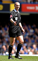 Photo: Daniel Hambury.<br />Chelsea v Manchester United. The Barclays Premiership. 29/04/2006.<br />Referee Mike Dean.