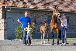 Van Waes Maarten, Van Driessche Latonya, Van Waes Yolanthe<br /> Stal De Moervaarthoeve<br /> Sint kruis Winkel 2020<br /> © Hippo Foto - Dirk Caremans<br />  19/05/2020