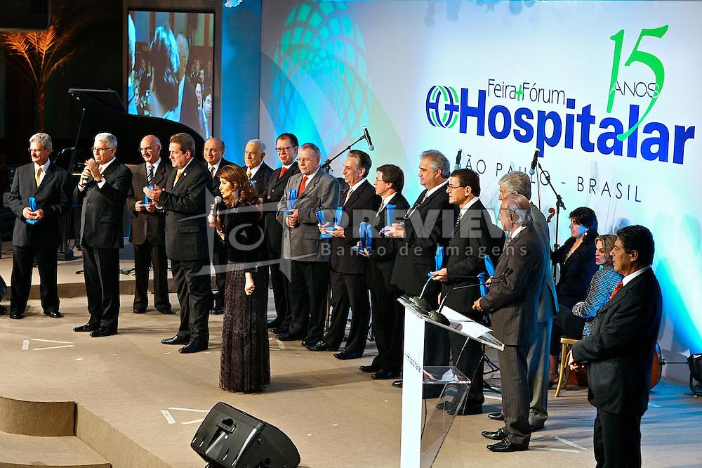 Jantar para comemoração dos 15 anos da Hospitalar na HOSPITALAR 2008 - 15ª Feira Internacional de Produtos, Equipamentos, Serviços e Tecnologia para Hospitais, Laboratórios, Clínicas e Consultórios, que acontece de 10 a 13 de junho de 2008, no Expo Center Norte, em São Paulo. FOTO: Jefferson Bernardes/Preview.com