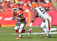 KANSAS CITY, MO - OCTOBER 27:  Wide receiver Dexter McCluster #22 of the Kansas City Chiefs rushes up field against linebacker Graig Robertson #53 of the Cleveland Browns during the first half on October 27, 2013 at Arrowhead Stadium in Kansas City, Missouri.  (Photo by Peter Aiken/Getty Images) *** Local Caption *** Dexter McCluster;Graig Robertson