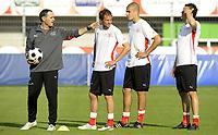 Pierluigi Tami, Patrick Mueller, Eren Derdiyok und Philipp Degen beim Training. © Valeriano Di Domenico/EQ Images