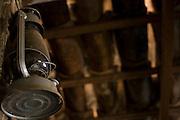 Sao Romao _ MG, Brasil... Detalhe de uma lamparina na parede de uma casa... Detail of lantern in wall of a house...Foto: JOAO MARCOS ROSA /  NITRO