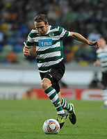 20120329: LISBON, PORTUGAL - Football - UEFA Europe League 2011/2012 - Quarter-finals, First leg: Sporting CP vs Metalist<br />In picture: Sporting's Diego Capel, from Spain, controls the ball.<br />PHOTO: Alvaro Isidoro/CITYFILES