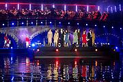 Koning Willem-Alexander en koningin Maxima wonen het bevrijding concert ( 5 mei concert ) bij op de Amstel in Amsterdam<br /> <br /> King Willem-Alexander and Queen Maxima of The Netherlands attends the liberation concert at the Amstel in Amsterdam<br /> <br /> Op de foto / On the photo:  Paul de Munnik , Ali B en Hadewych Minis