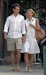 Claire Danes with her boyfriend taking a romantic walk holding and kissing in Greenwich Village, New York, NY, USA on July 1, 2007. Photo by Geraldina Amaya/Frank Ross/ABACAPRESS.COM  | 126119_02