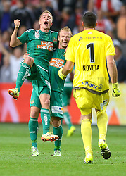 04-08-2015 NED: UEFA CL qualifying AFC Ajax - Rapid Wien, Amsterdam<br /> Ajax is al in de derde voorronde van de Champions League uitgeschakeld. Rapid Wien bleek een niet te nemen horde. Na de 2-2 in Wenen waren de Oostenrijkers in de Arena met 3-2 te sterk / Christopher Dibon #17, Mario Sonnleitner #6, Jan Novota #1