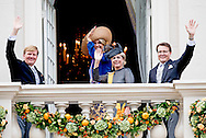 20-9-2016 THE HAGUE -  Prince Constantijn and Princess Laurentien waving King Willem-Alexander and Queen Maxima from Noordeinde Palace on Budget Day 2016. Every third Tuesday of September is Budget Day, the festive opening of the new parliamentary year of the States General (the Senate and House). His Majesty the King on Budget Day rides in the Glazen Carriage to the Binnenhof in The Hague speaks during the joint session of the States General in the Knights from the throne speech. COPYRIGHT ROBIN UTRECHT
