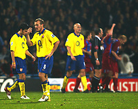 Fotball<br /> Premier League 2004/2005<br /> 06.11.2004<br /> Foto: SBI/Digitalsport<br /> NORWAY ONLY<br /> <br /> Crystal Palace v Arsenal<br /> <br /> Fredrik Ljungberg and Arsenal are shocked again