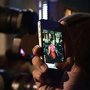 Il Quinto giorno della Settimana della Moda a Milano: lo smrtphone usato per fotografare<br /> <br /> The fifth day of Milan Fashion Week: smartphone used to photograph