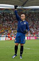 Photo: Glyn Thomas.<br />England v Ecuador. 2nd Round, FIFA World Cup 2006. 25/06/2006.<br /> England's Paul Robinson celebrates.