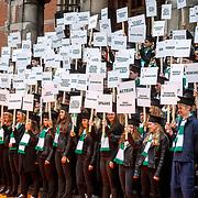 NLD/Groningen/20180427 - Koningsdag Groningen 2018, leerlingen van de Universiteit Groningen