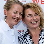 NLD/Amsterdam/20150604 - Amsterdam Diner 2016, Mabel Wisse Smit met haar zus Nicolien Wisse Smit