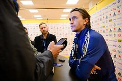 November 15, 2018 - Stockholm, SVERIGE - 181115 Kristoffer Olsson i mixed zone efter en trÅning med Sveriges fotbollslandslag den 15 november 2018 i Stockholm  (Credit Image: © Simon HastegRd/Bildbyran via ZUMA Press)