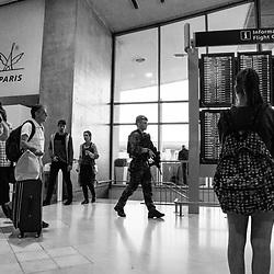 mercredi 7 septembre 2016, 8h03, Roissy-en-France. Patrouille de soldats du 3ème Régiment Parachutiste d'Infanterie de Marine dans la zone non contrôlée de l'aéroport de Roissy Charles de Gaulle