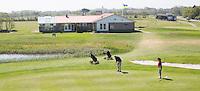 AMELAND - Hole 9 met clubhuis. Amelandse Golfbaan 'De Amelander Duinen' . COPYRIGHT KOEN SUYK