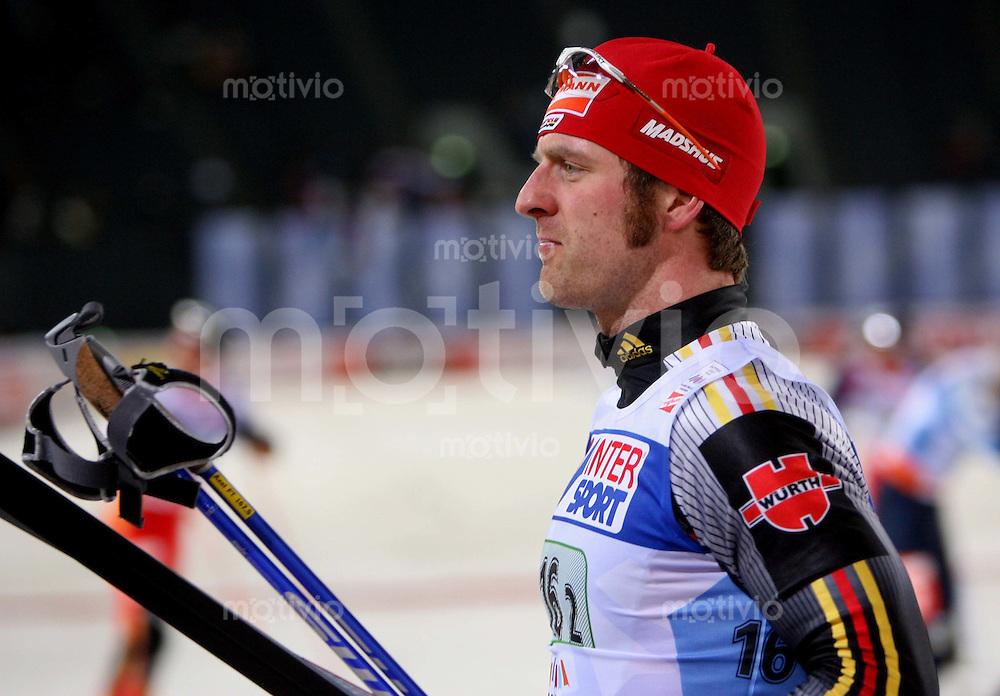 Sapporo , 230207 , Nordische Ski Weltmeisterschaft  Teamsprint der Maenner ,  Axel TEICHMANN (GER) geht enttaeuscht aus dem Stadion
