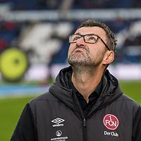 09.02.2019, HDI Arena, Hannover, GER, 1.FBL, Hannover 96 vs 1. FC Nuernberg<br /> <br /> DFL REGULATIONS PROHIBIT ANY USE OF PHOTOGRAPHS AS IMAGE SEQUENCES AND/OR QUASI-VIDEO.<br /> <br /> im Bild / picture shows<br /> Michael Köllner / Koellner (Trainer 1. FC Nuernberg) blickt skeptisch gen Himmel / nach oben, <br /> <br /> Foto © nordphoto / Ewert