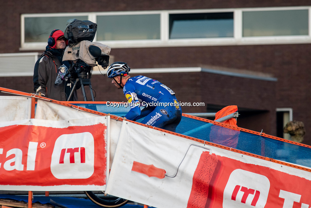 2019-12-27 Cycling: dvv verzekeringen trofee: Loenhout: Zdenek Stybar continuing his cross intermezzo