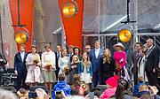 De koninklijke familie is in Zwolle voor de viering van Koningsdag. /// The royal family is in Zwolle for the celebration of King's Day.<br /> <br /> Op de foto / On the photo:   De Koninklijke familie met o.a. Koning Willem-Alexander en Koningin Maxima met hun dochters Amalia, Alexia en Ariane / <br /> King Willem-Alexander and Queen Maxima with their daughters Amalia, Alexia and Ariane