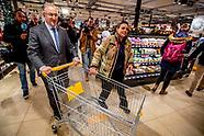 Aboutaleb shopt voor Voedselbank