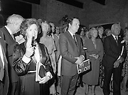 24/08/1984<br /> 08/24/1984<br /> 24 August 1984<br /> Opening of ROSC '84 at the Guinness Store House, Dublin. Some of the attendees at the opening of the ROSC '84 art exhibition listening to the opening speeches.